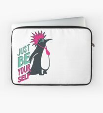 Penguin punk Laptop Sleeve