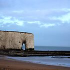Storm clouds over Kingsgate Bay by chihuahuashower