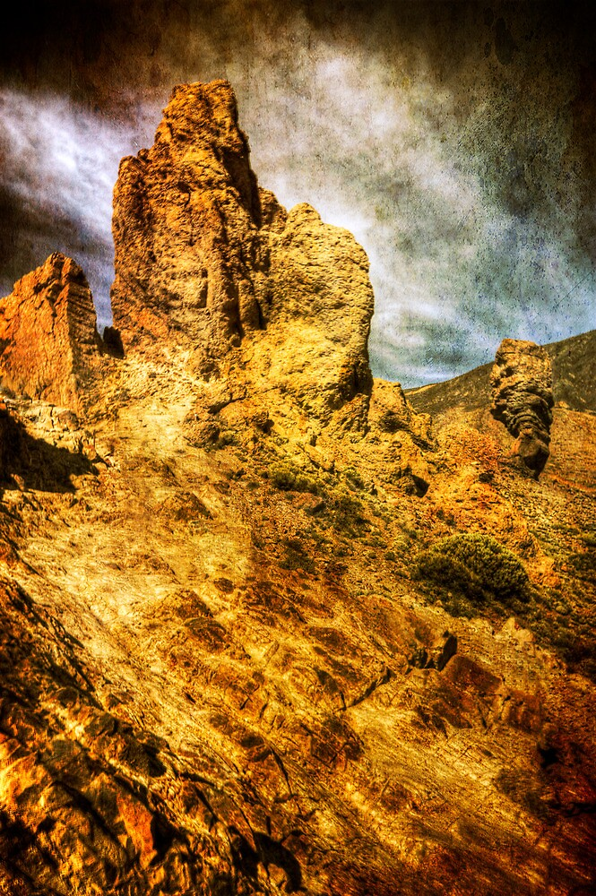 Teide Rocks ! by Kelvin Hughes