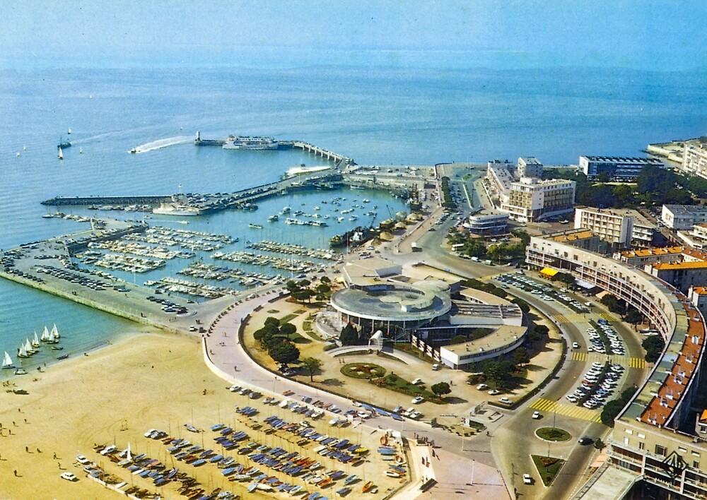 « Casino et port de Royan, années 60 » par Francois Richet