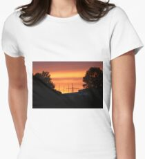 Red sunrise Women's Fitted T-Shirt