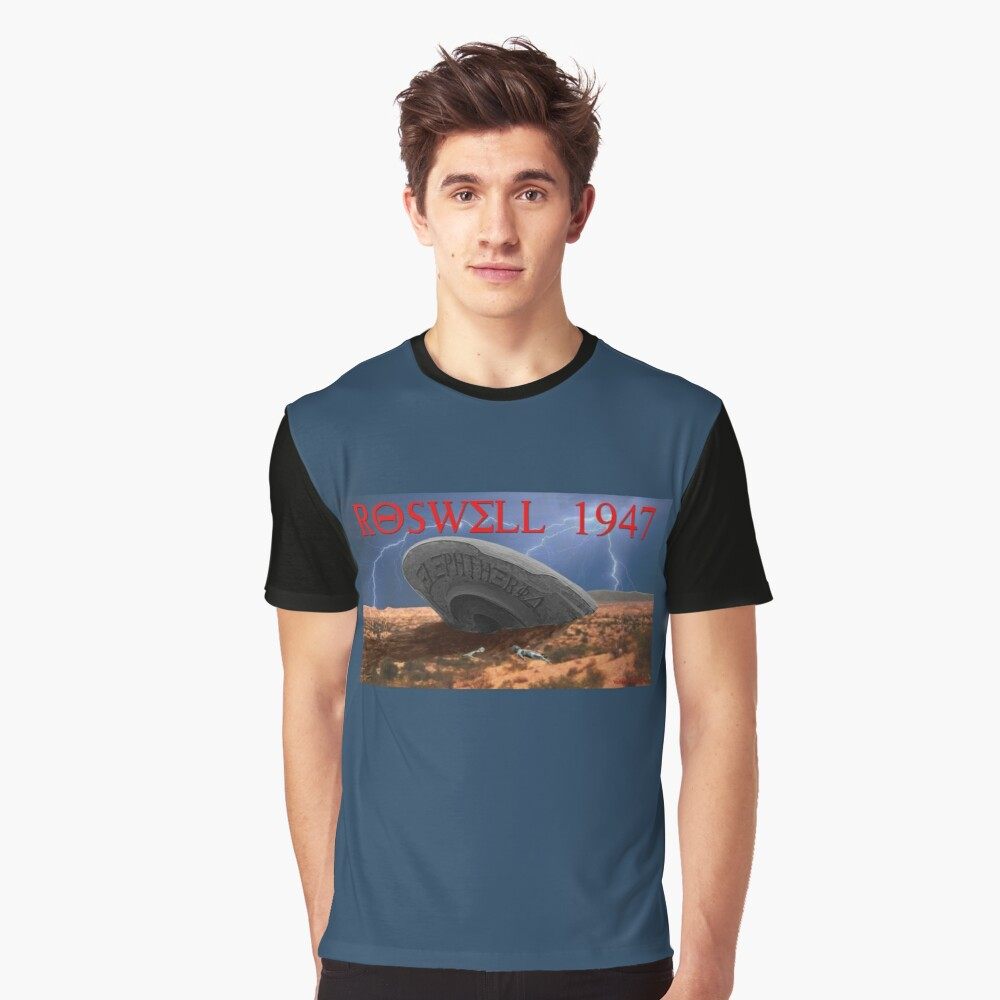 Roswell Lightning Graphic T-Shirt Front