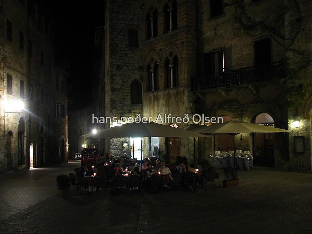 Al Fresco - San Gimignano by hans p olsen