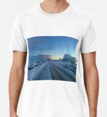 Dramatischer Dawn Drive Premium T-Shirt