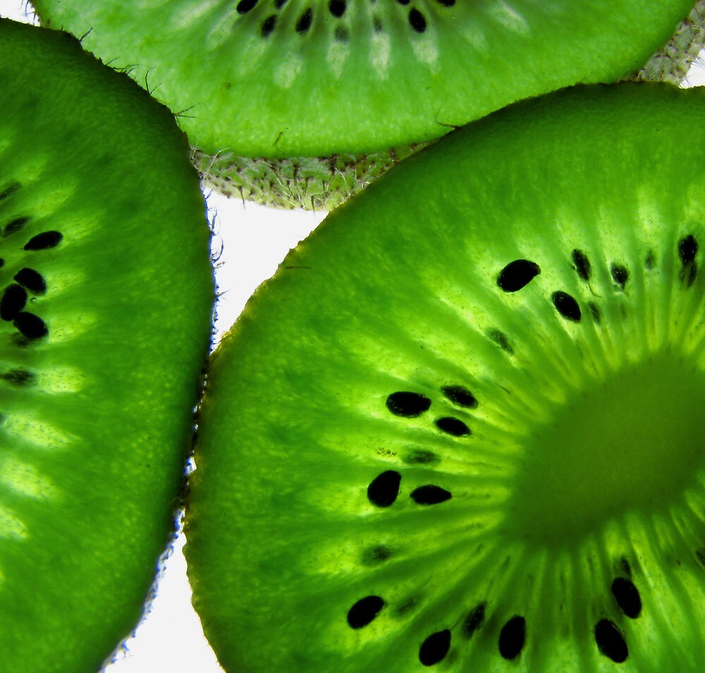 kiwi slices by JuliaPaa
