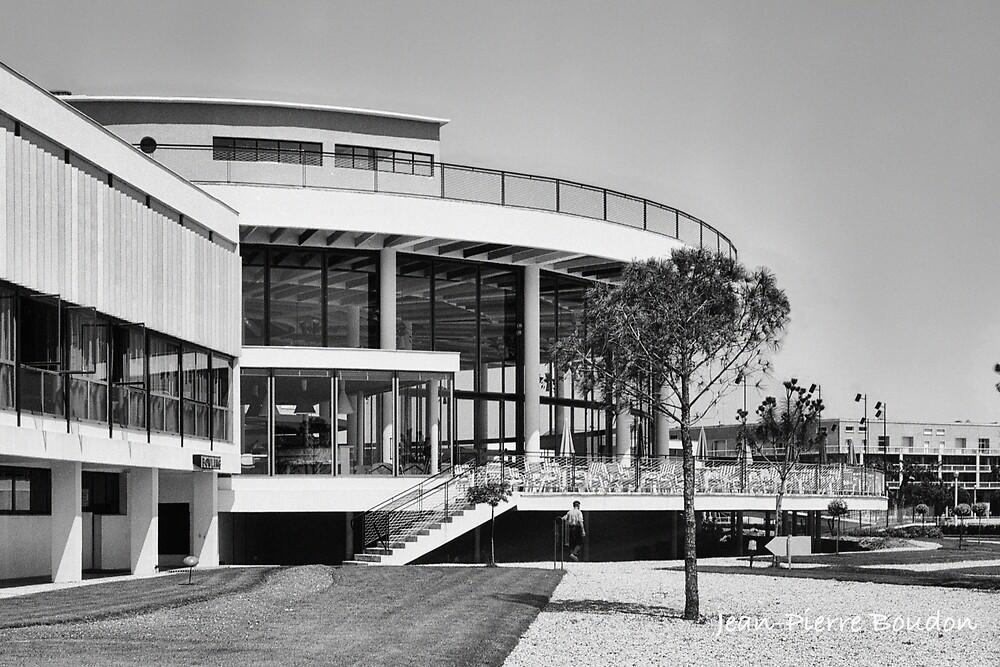 « Casino Municipal de Royan, années 60 (1) » par Francois Richet