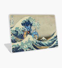 Die große Welle vor Garados Laptop Folie