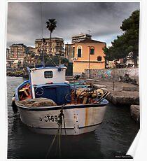 Un vecchio peschereccio Poster