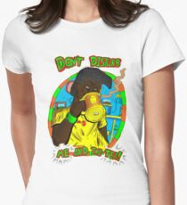 Don't disturb me and my tea Women's Fitted T-Shirt