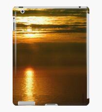 GOLDEN LIGHT      ^ iPad Case/Skin