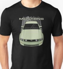 Mustang GT 2005 to 2009 - Green Unisex T-Shirt