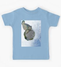 Biddy's House - the Crossroads Pub, Glencolmcille(Sky Out) Kids Tee