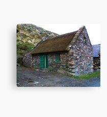 Thatched Cottage, Cill Rialaig Village - Ballinskelligs, Kerry, Ireland Canvas Print