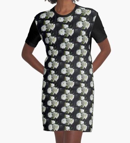 Reinheit - weiße Hyazinthe und Dahlien T-Shirt Kleid