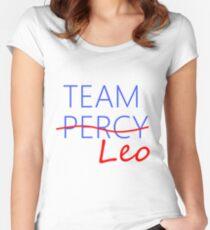 Camiseta entallada de cuello ancho Equipo Leo
