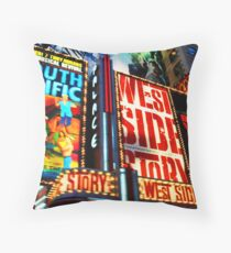 Broadway, New York marque Throw Pillow