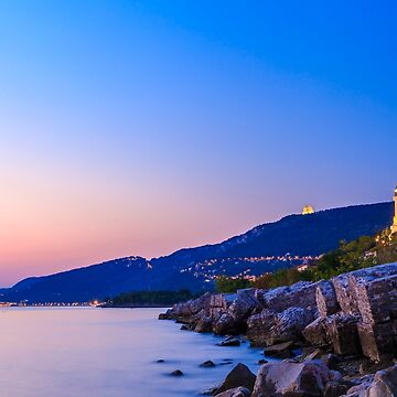 Sunset near the old  lighthouse of Trieste by zakaz86