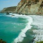 Zusammenstoßende Wellen bei St. Agnes von Victoria Ashman