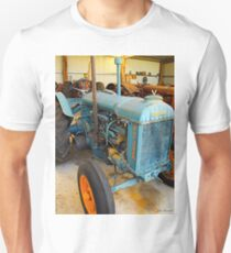 Fordson tractor Unisex T-Shirt