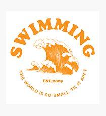 Mac Miller Schwimmen Fotodruck