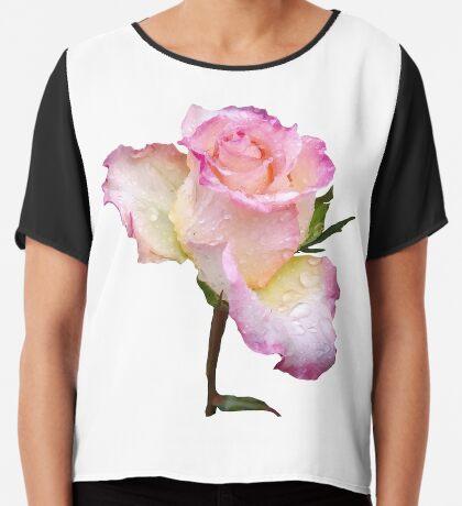 pinke Rose mit den ersten Regentropfen des Tages Chiffontop für Frauen