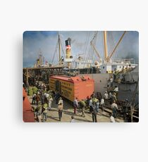 Unloading bananas from steamer, New Orleans ca 1900 Canvas Print