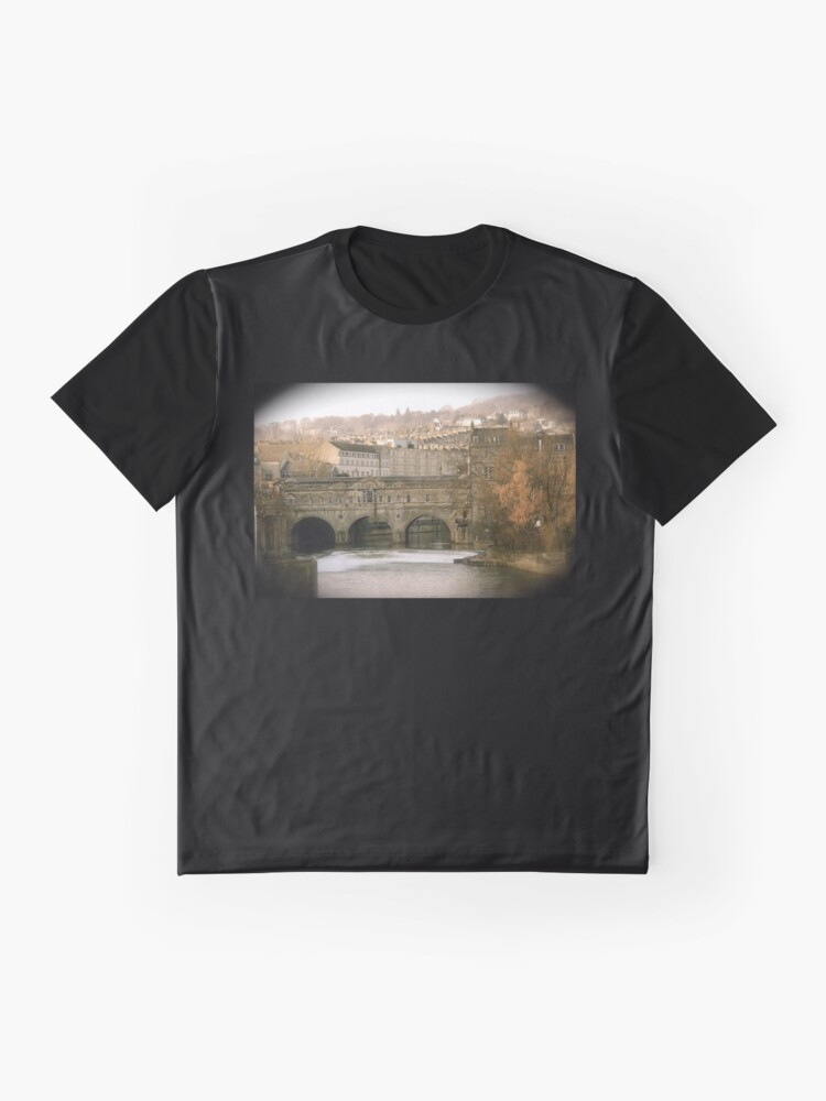Alternate view of Pulteney Bridge crossing the river Avon in Bath, Somerset County, England Graphic T-Shirt