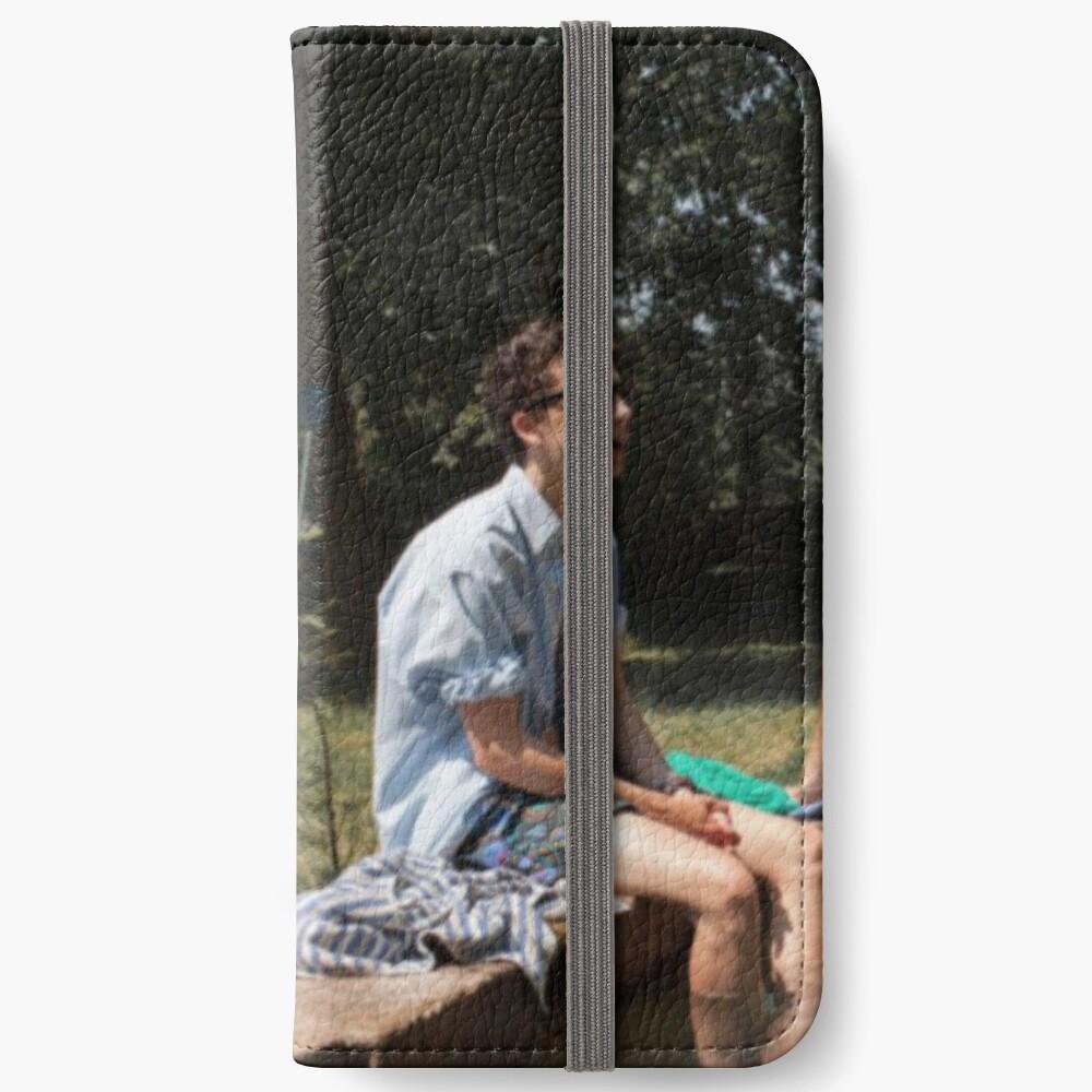 132 iPhone Flip-Case