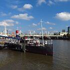Pub On The Thames by wiggyofipswich