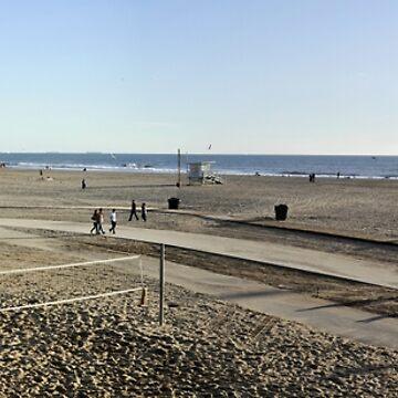 Santa Monica Beach by claytonbruster