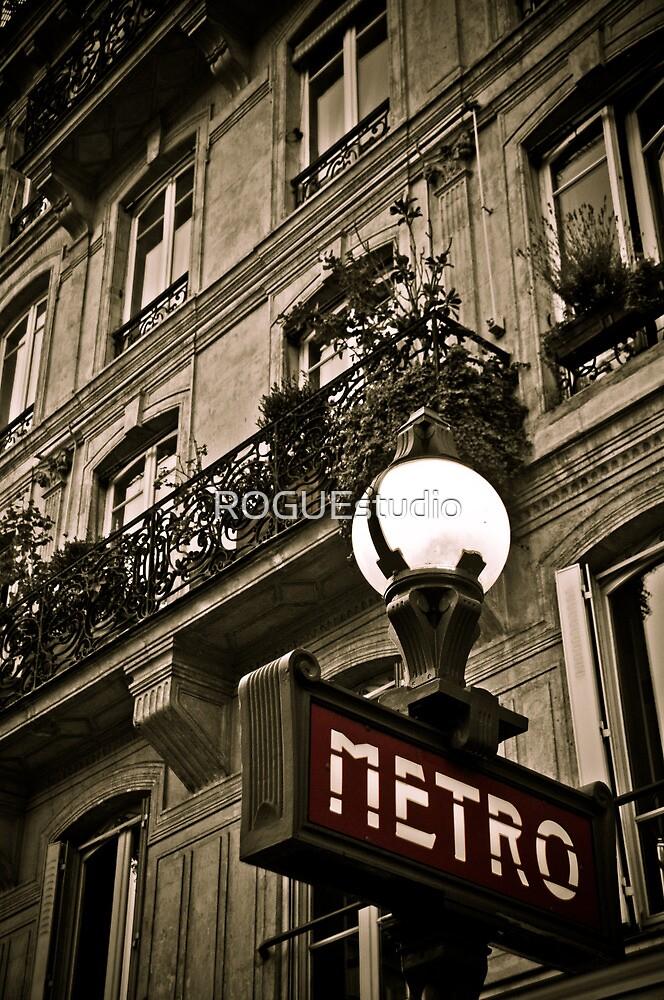 Paris Metro by ROGUEstudio