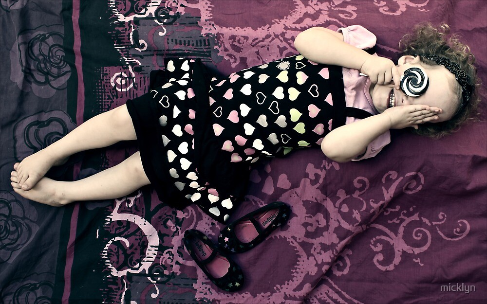 Mila - The Lollipop Session - 3 by micklyn