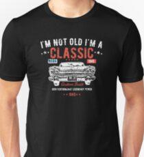 74th Birthday Funny Design - Im Not Old Im A Classic Custom Built 1945 Slim Fit T-Shirt