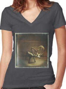 rangifer Women's Fitted V-Neck T-Shirt