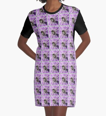 Mining Operations - Bee at Work T-Shirt Kleid