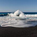 Wave crash by SteveEveritt