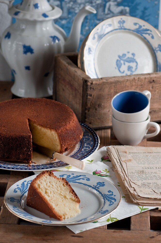 Tea Time by Ilva Beretta