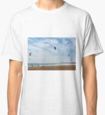 Kite surfers Classic T-Shirt
