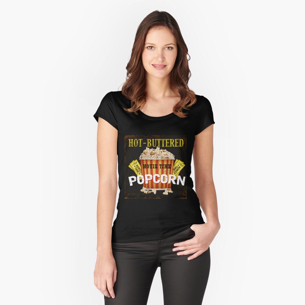 Arte de teatro de palomitas de maíz con mantequilla caliente Camiseta entallada de cuello ancho