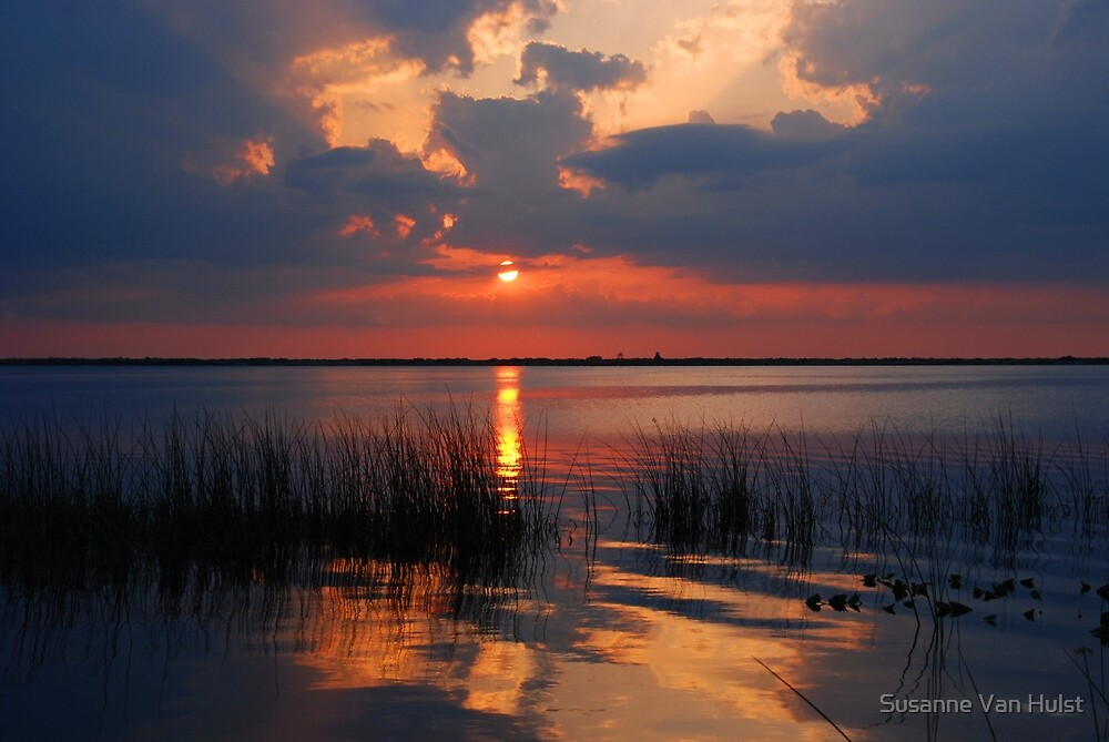 Another Sunset on the Lake by Susanne Van Hulst