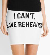 Minifalda No puedo, tengo ensayo
