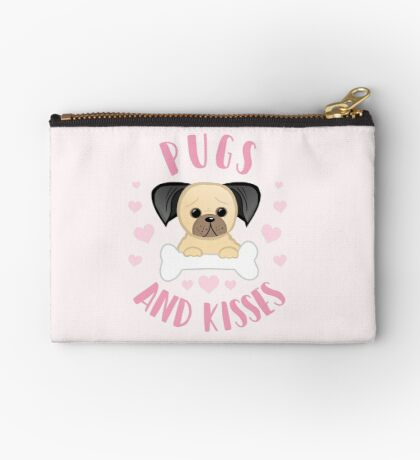 Pugs and Kisses - Pug Pun - Valentines Pun - Funny Valentines - Dog Pun - Dog Mum - Dog Mum - Pug Mum - Pug Mom Zipper Pouch