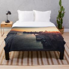 new york city skyline Throw Blanket