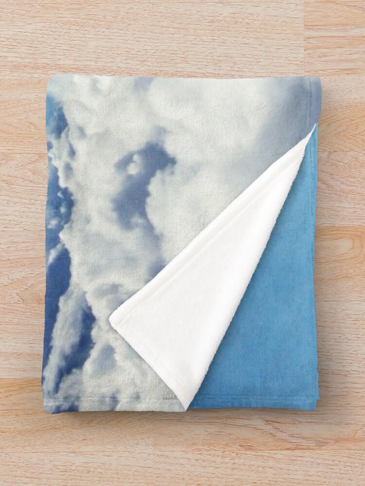 Vista alternativa de Manta Mas alla de las nubes