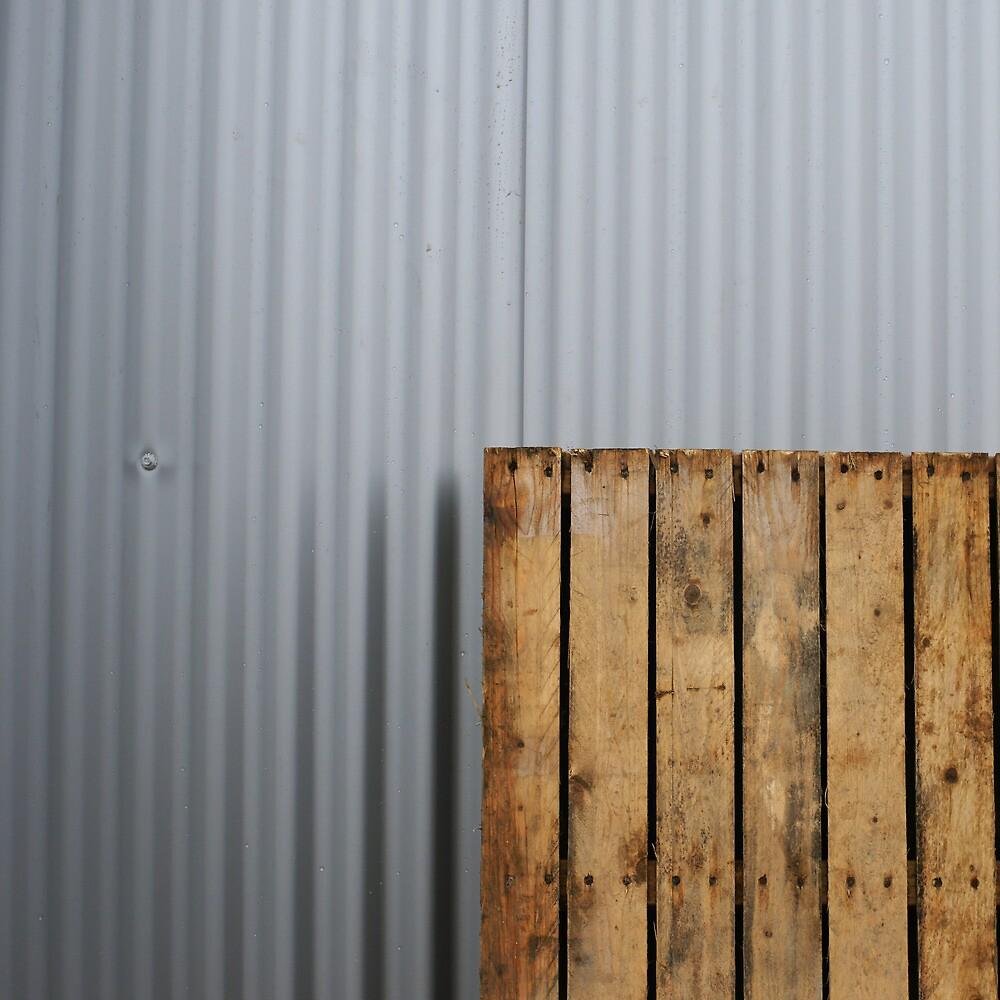 Pallet vs. metal by PeterBusser