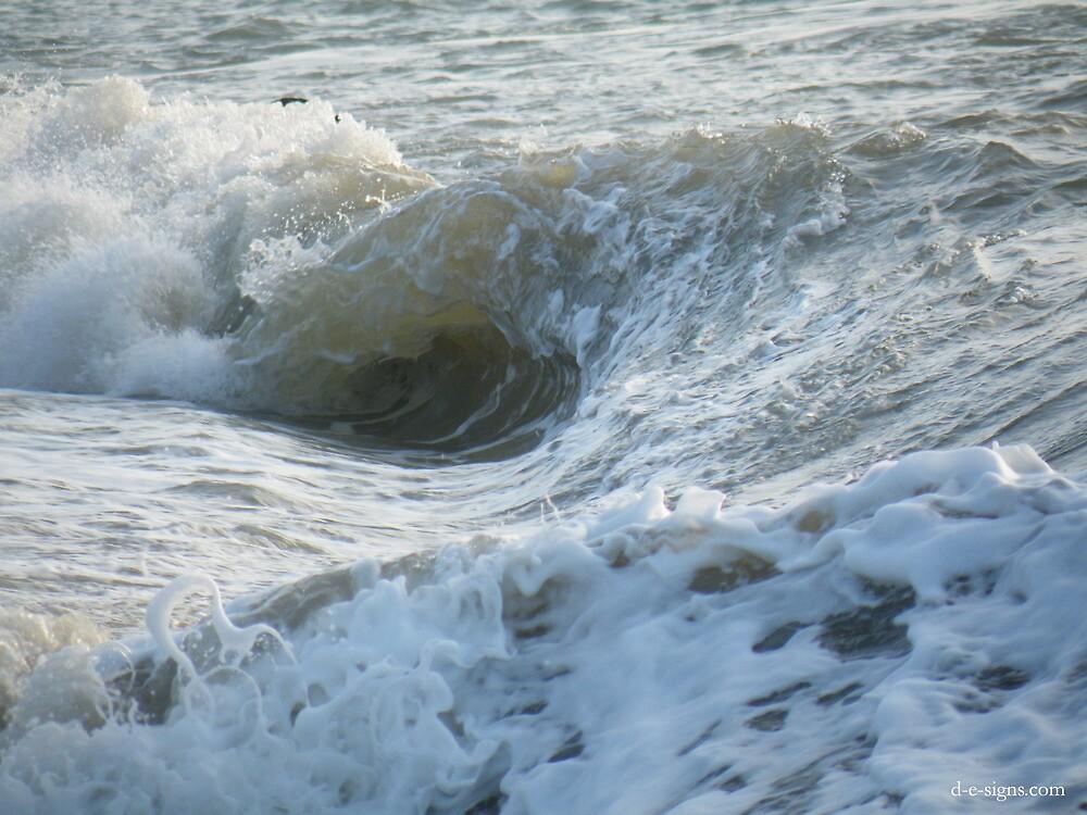 OCEAN WAVES by RED-RABBIT