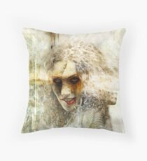 Twisted mind. Throw Pillow