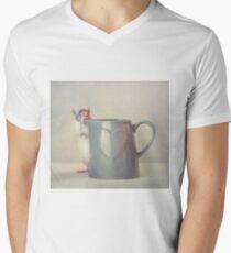 Snoozy loves milk Men's V-Neck T-Shirt