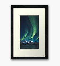 Nordlichter über Senja, Norwegen Gerahmtes Wandbild