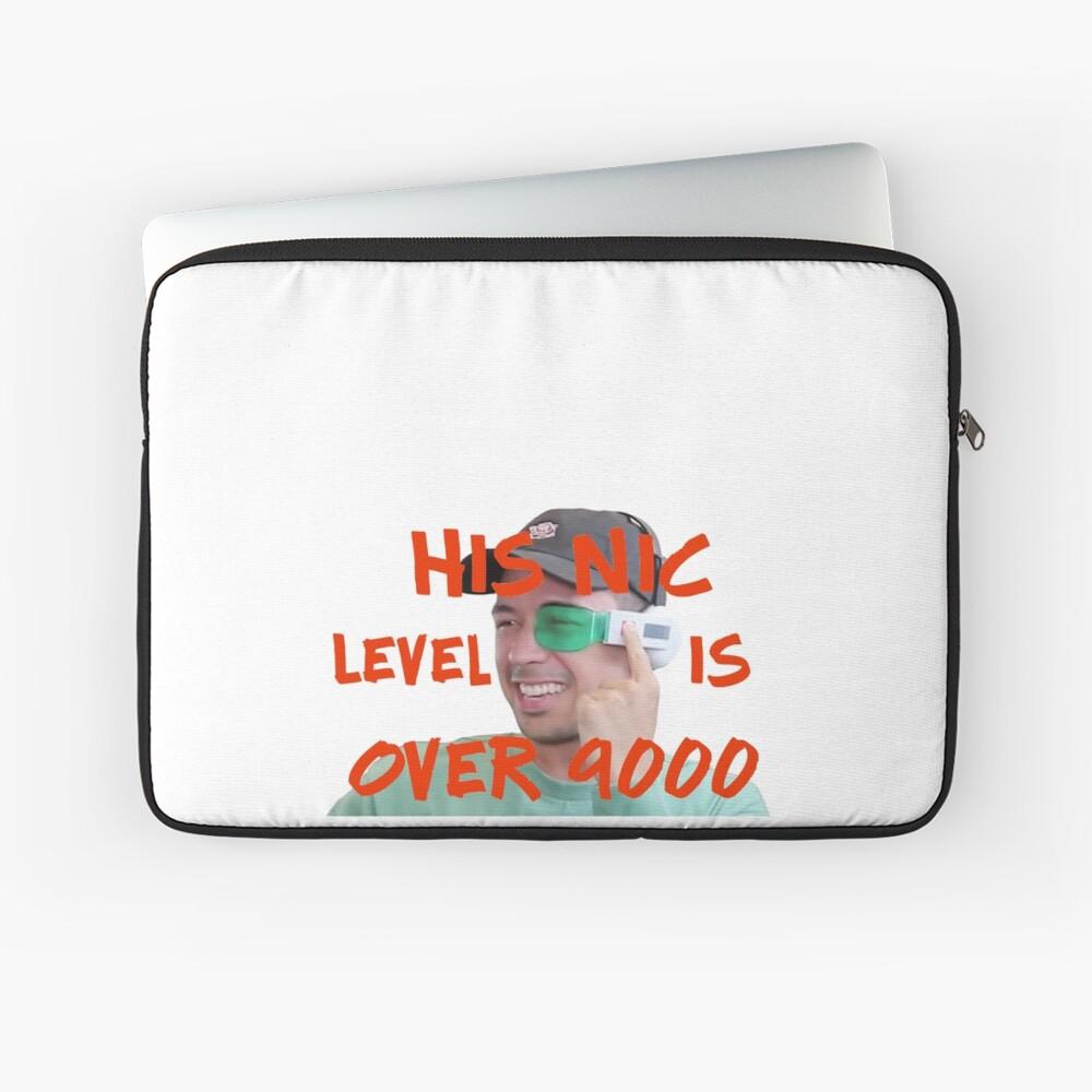 Sein Nic-Level liegt bei über 9.000! Laptoptasche